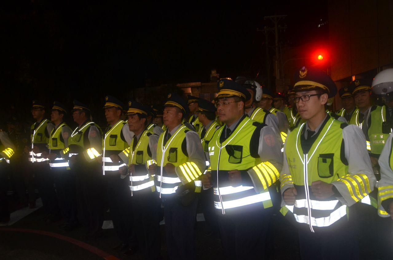昨晚發生花蓮0206地震,造成重大災害,全國正如火如荼投入救災及人道援助,台南市...