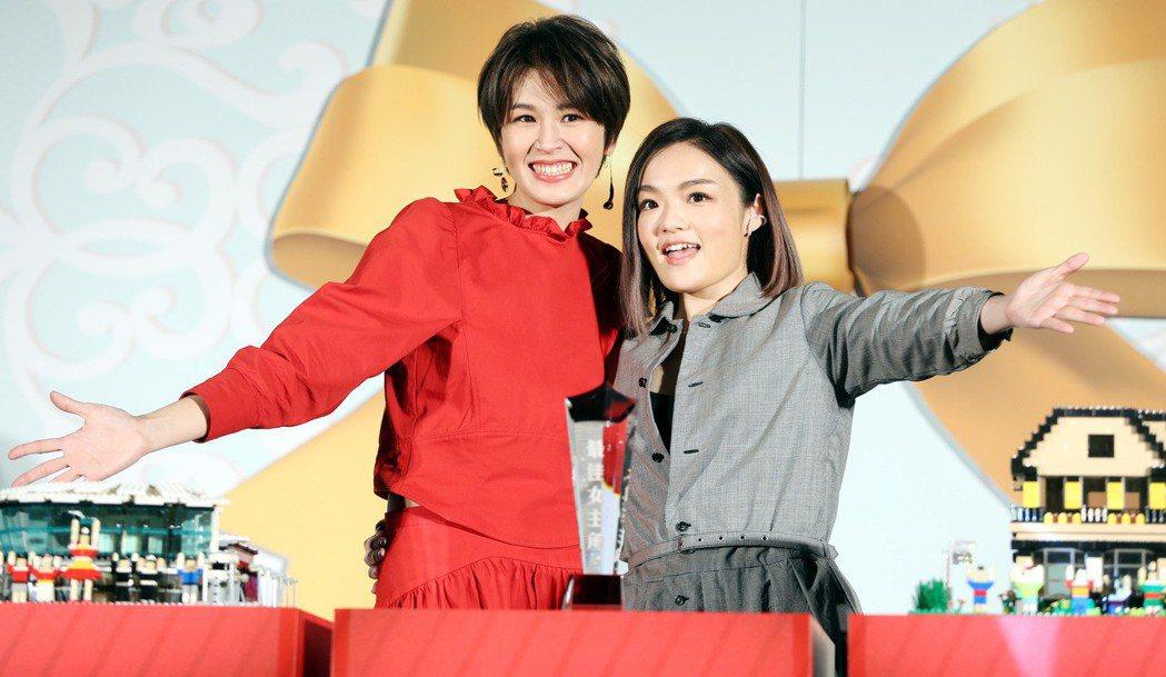曾沛慈簽約新東家,師姐徐佳瑩特地站台祝福。記者侯永全/攝影