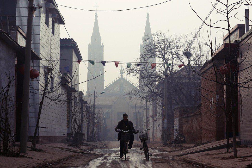 近年在中國的傳教步伐大幅落後。以同質性高的基督新教為例,如今在中國已有1億信徒,...