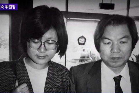 在南韓社運圈和學界,權仁淑(左)是首屈一指的女權運動家,而她本人的經歷,正好反映...