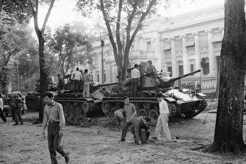 「推翻吳廷琰政權,純粹就是越南的一個醜聞。我們從未參與這計畫,我們從未給予任何建...