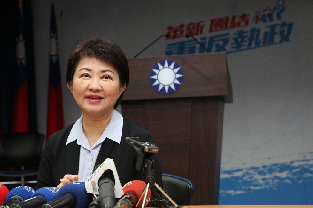 國民黨台中市長整合民調上午揭曉,盧秀燕以些微差距勝出。記者徐兆玄/攝影