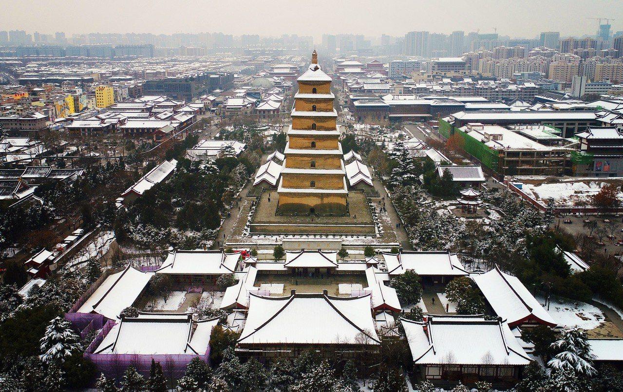中國正式公布「關中平原城市群發展規畫」,提出將培育發展關中平原城市群,以引領和支...