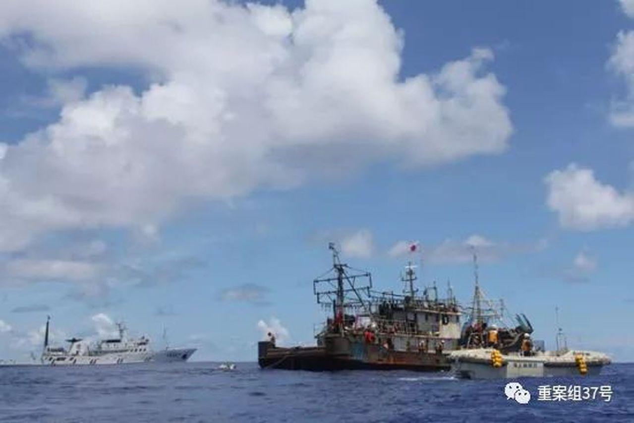 2011年發生在太平洋上的「魯榮漁2682大逃殺案」,當時船上共33名船員,因內...