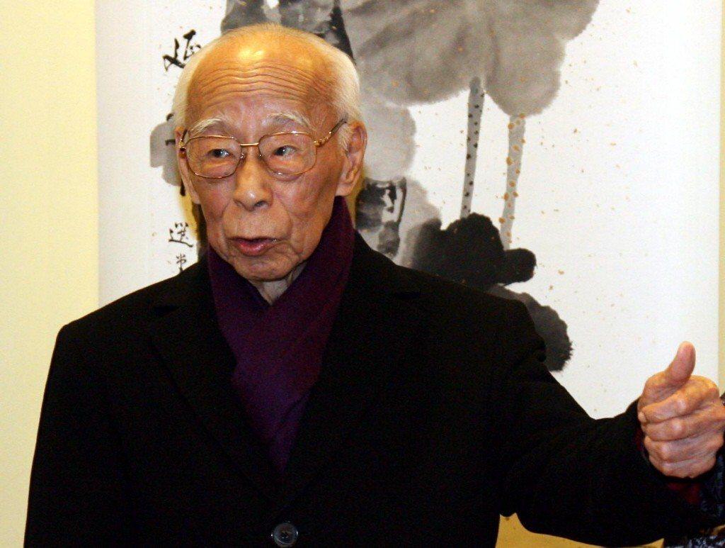 香港國學大師饒宗頤6日凌晨去世,享壽101歲。中國大陸多名國家領導人包括習近平和...
