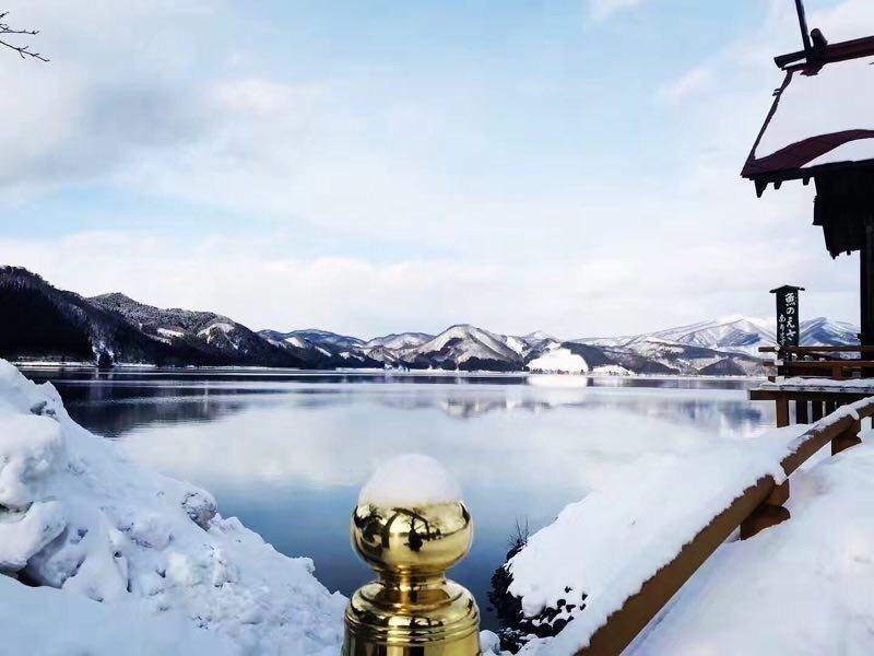 秋田縣的田澤湖雪景 圖/日本福安觀光株式會社 提供
