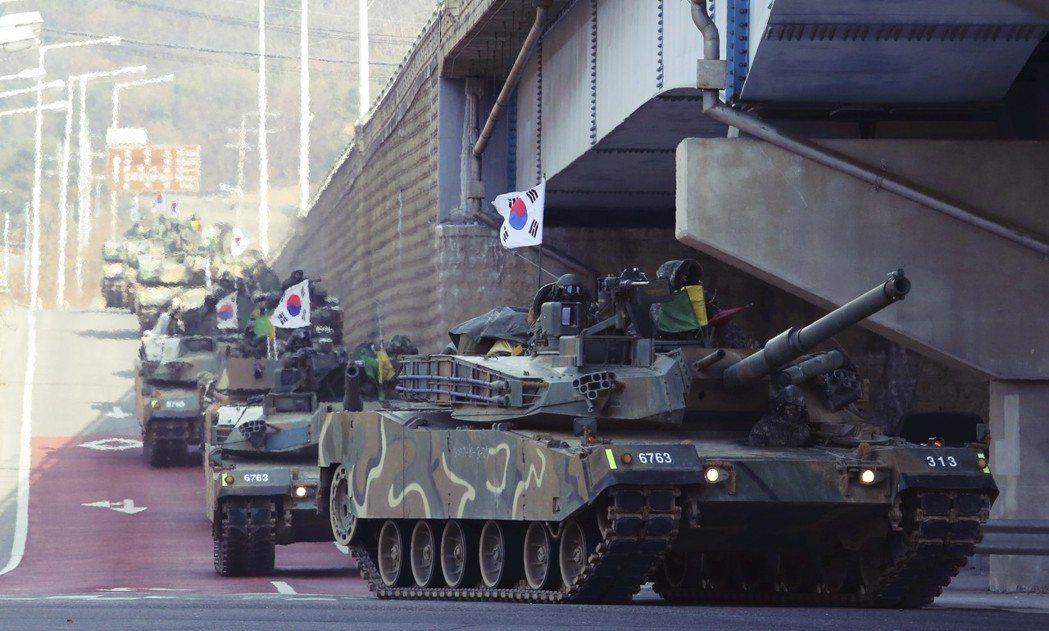 儘管平昌冬奧的破冰氣氛濃厚,但邊境的韓國軍隊仍全面戒備。 圖/美聯社