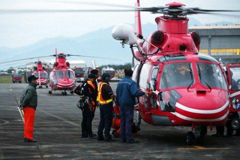 蘭嶼掉了直升機之後,一位綠島醫師想告訴台灣人的事