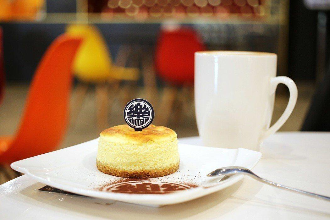 用義大利illy咖啡豆,搭配手作甜點,帶來美味時光。