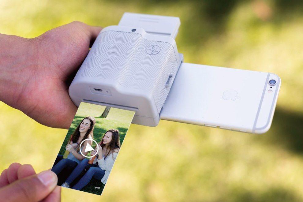 Prynt Pocket結合AR技術,創造史上最動感的照片。(圖/文 聯合數位文...