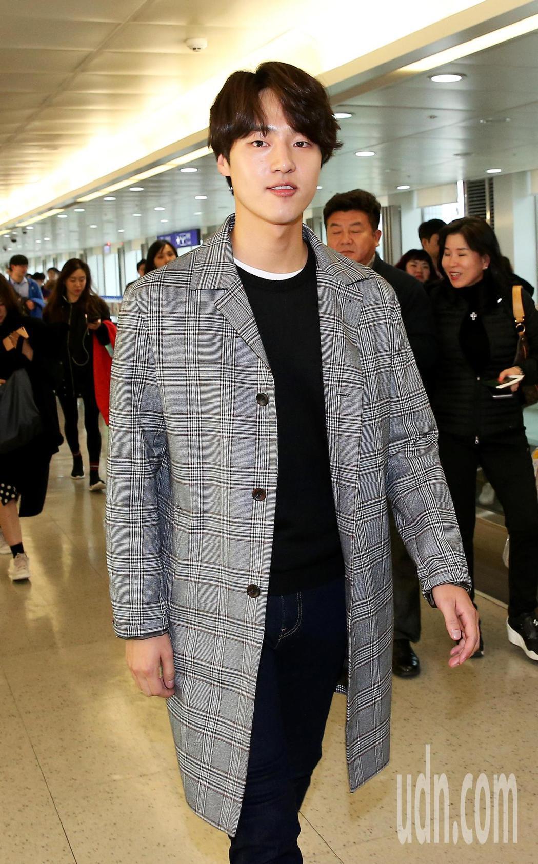 南韓藝人梁世宗9日上午搭乘大韓航空公司班機抵台。記者陳嘉寧/攝影
