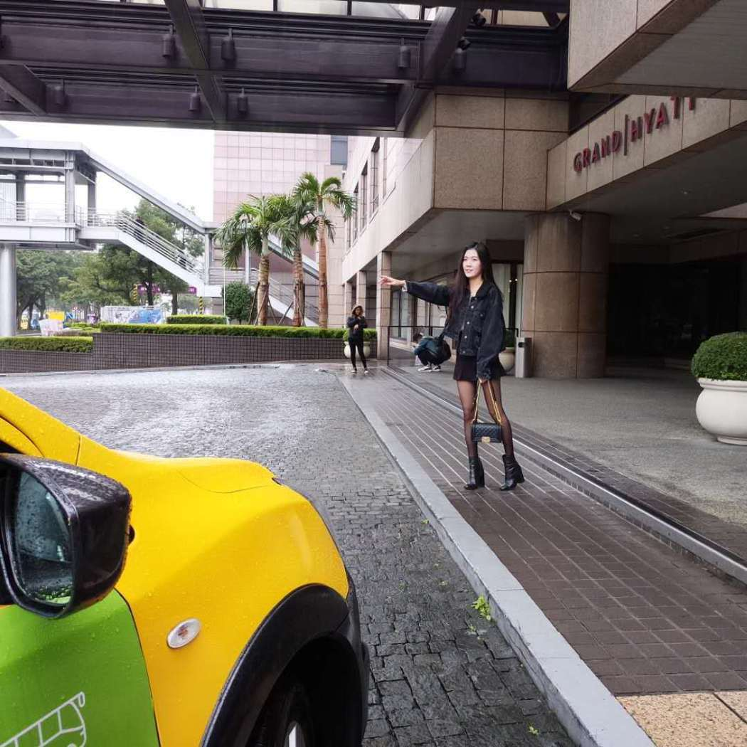 台灣大車隊因應春節民眾返鄉搭車需求,於即日起推出小黃順風車返鄉服務,民眾可以搭乘...
