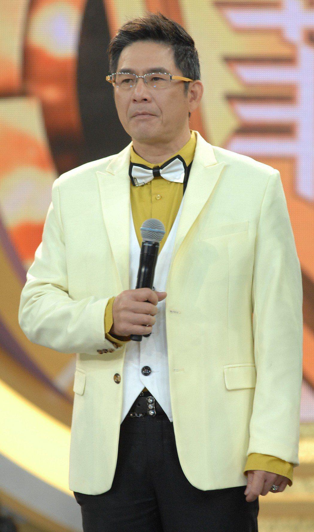 洪都拉斯現在張菲「綜藝菲常讚」裡擔任固定搭檔。圖/華視提供