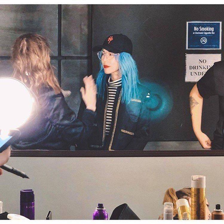 人氣部落客百勒絲為好友周裕穎登上紐約時裝周走秀。圖/擷取自IG @fairypa...