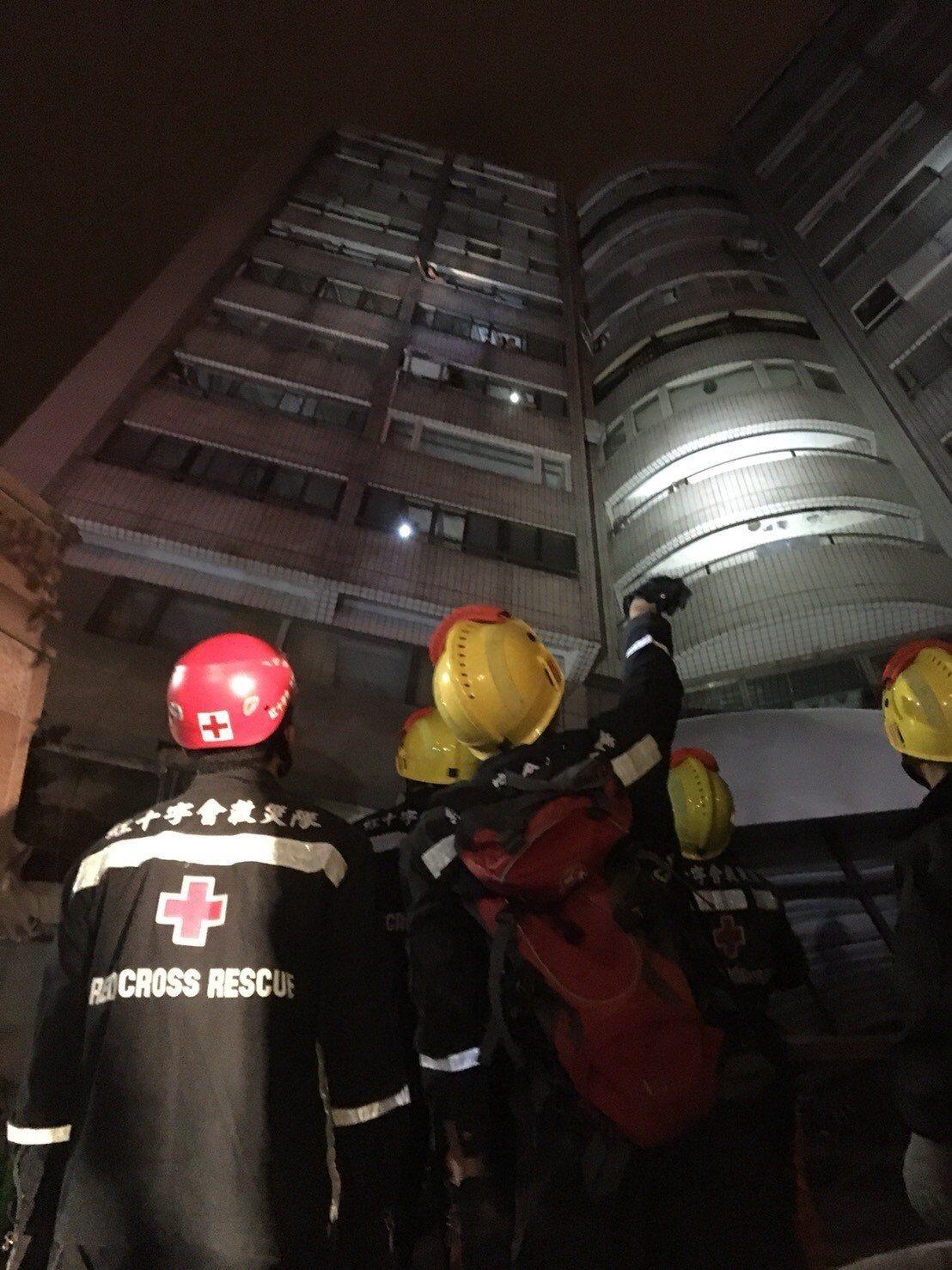 對社會上諸多對紅十字會的負面消息,志工吳俊德淡淡地說:「志願工作喜歡做就去做。」...