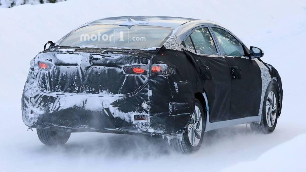 這輛測試車所搭配的鋁圈,是Hyundai電動車款所專用的。 摘自Hyundai