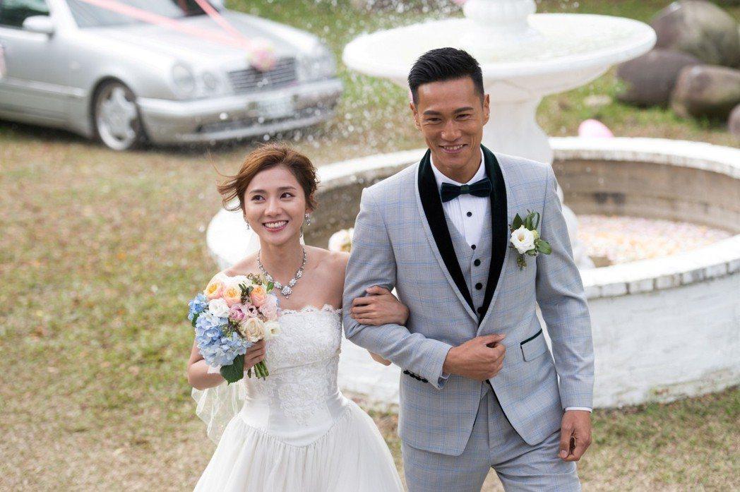 豆花妹(左)和鍾承翰拍結婚戲 圖/三立提供