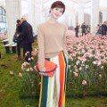 紐約時裝周/Tory Burch萬朵康乃馨當背景 劉詩詩、Ella比仙氣
