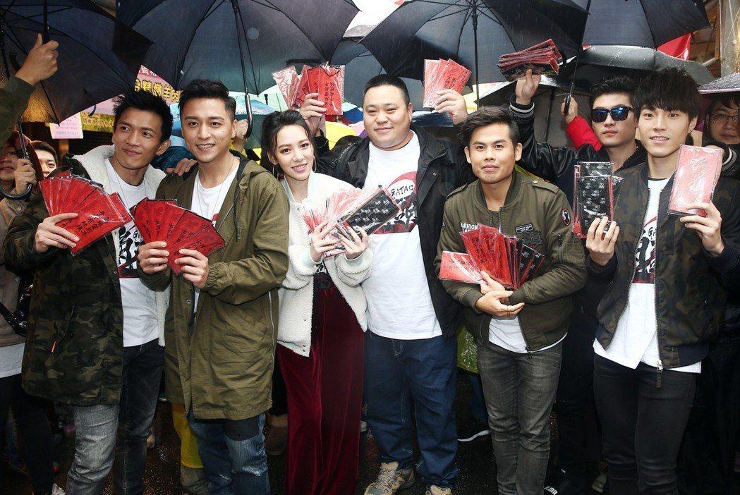 電影《角頭2》劇中演員鄭人碩、王宣、黃尚禾、張再興、唐振剛、古斌、陳政文等人昨天