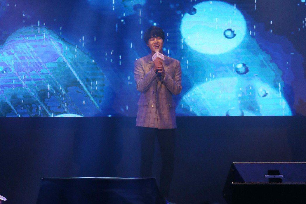 韓星梁世宗來台會粉絲,一開場以溫柔情歌跟粉絲見面。記者許正宏/攝影