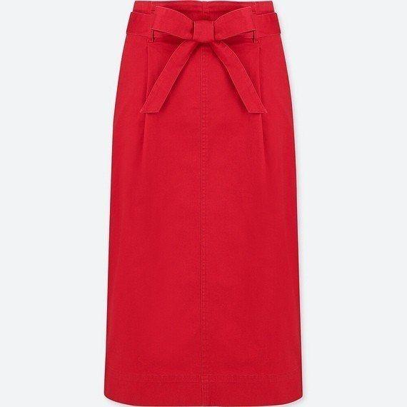 高腰窄版裙(附腰帶)890元。圖/UNIQLO提供