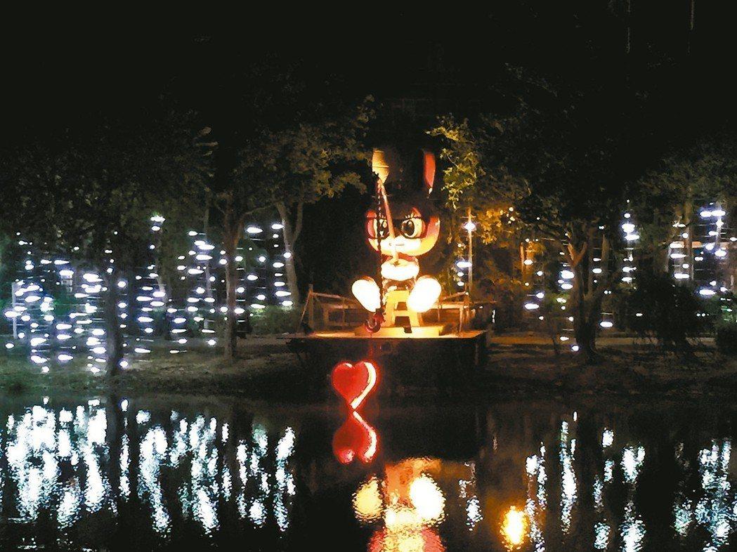 月津港燈節昨晚啟燈,各種藝術燈景照亮月津港。 記者吳政修/攝影