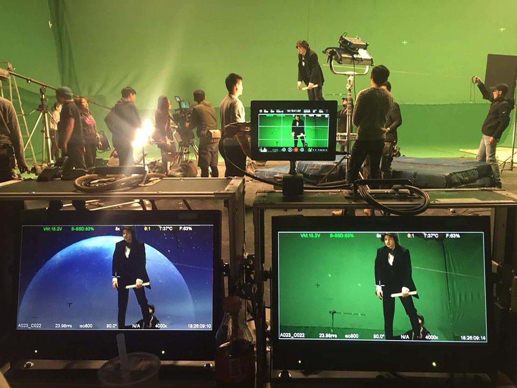漫畫「北城百畫帖」影視化前導片已拍攝完成,演員則要在綠幕吊鋼絲演出,結合後製特效