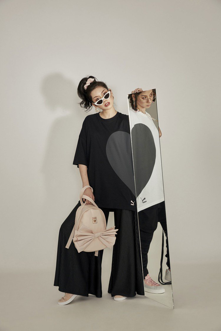 Stars Xu一人分飾男女兩角詮釋PUMA情人節系列服裝。圖/PUMA提供