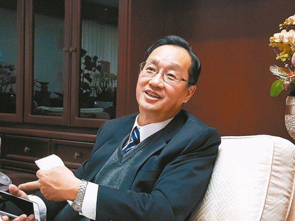 保險中心董事長桂先農