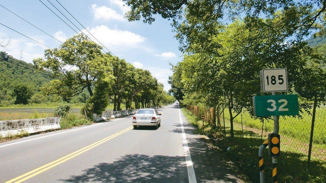 走一趟屏185沿山公路休閒農業園區可飽覽大武山的好風光。記者蔣繼平/攝影
