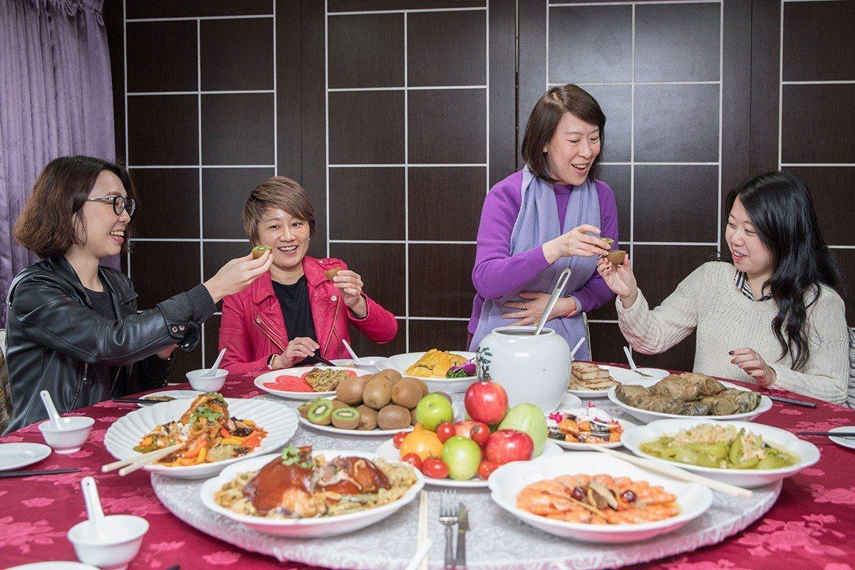 醫師建議民眾在年節期間要注意蔬果攝取量要足夠。 圖/王仁昌 提供