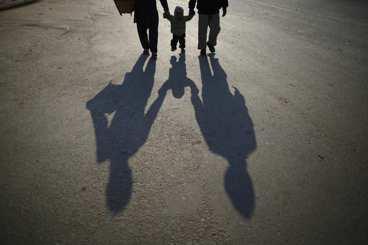 有條件的愛讓人窒息——如何面對家人的情緒勒索?