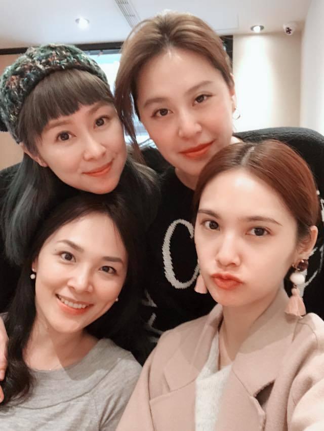 楊丞琳分享「4 in Love」合體照。圖/擷自楊丞琳臉書