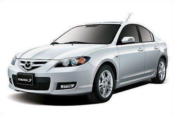 第一代 Mazda 3 圓潤動感外型 深受時下年輕人喜愛。 摘自MAZDA