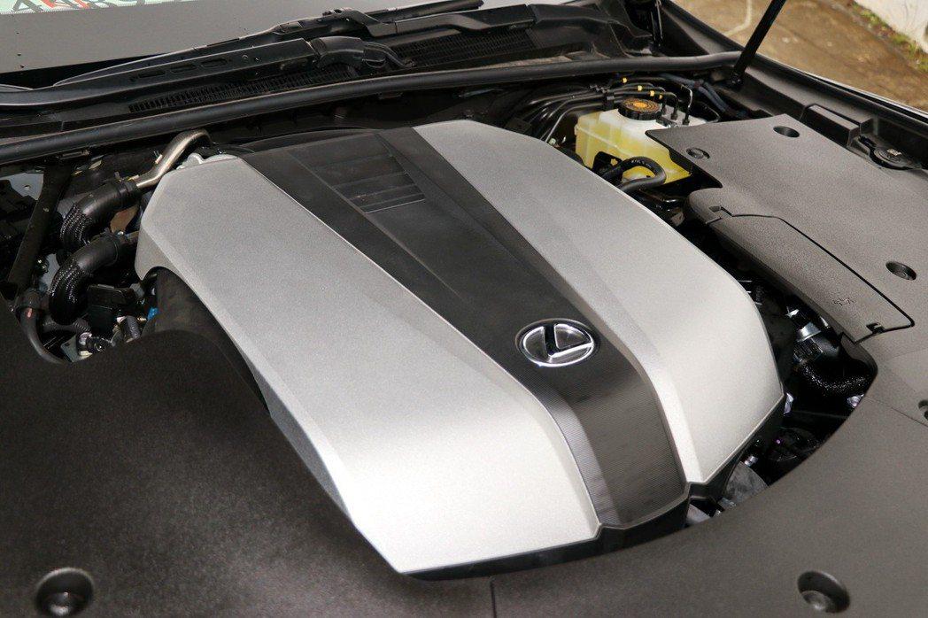 原廠代號8GR-FKS的3.5升V6自然進氣引擎。 記者陳威任/攝影