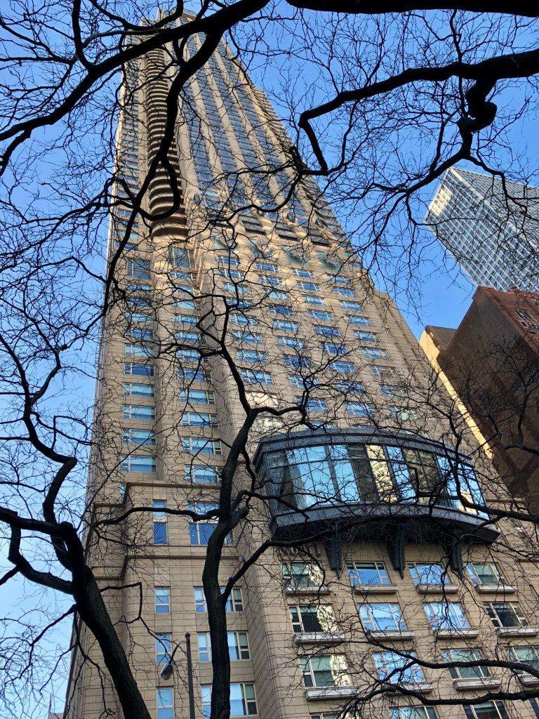 Park Hyatt Chicago 外觀,大樓建築高樓層是自用住宅,22 樓以...
