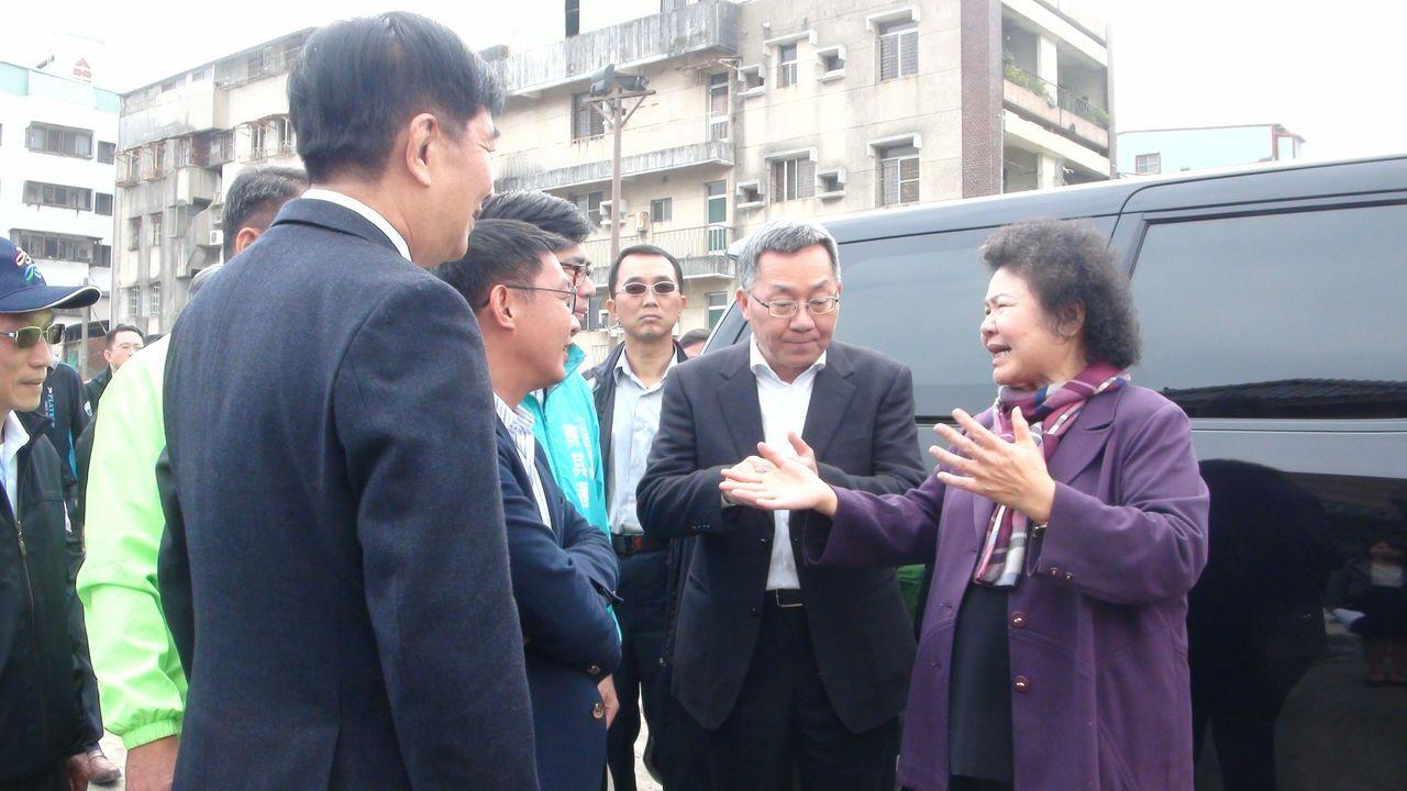 高雄市長陳菊關心園道工程在離去前,還一再叮嚀工程千萬不能延宕。記者謝梅芬/攝影