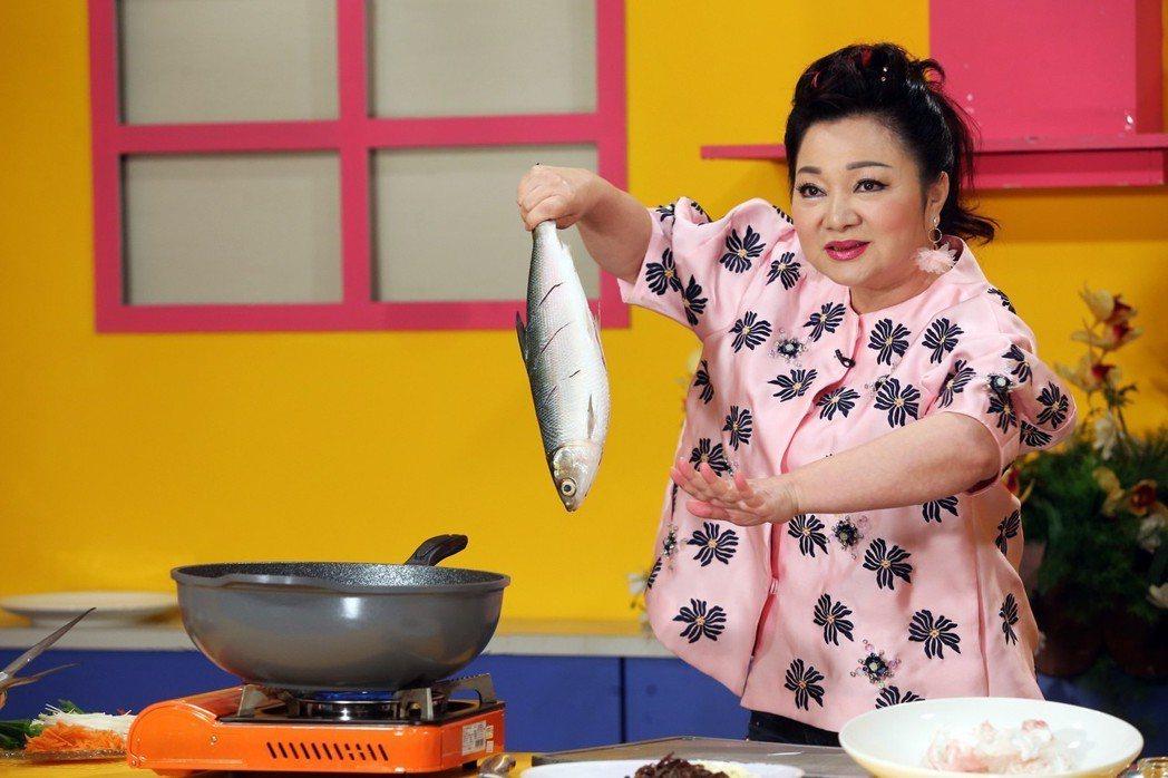 白冰冰煮魚當年菜。記者徐兆玄/攝影
