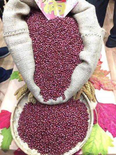 義美宣布收購屏東紅豆20萬公斤。 記者翁禎霞/攝影