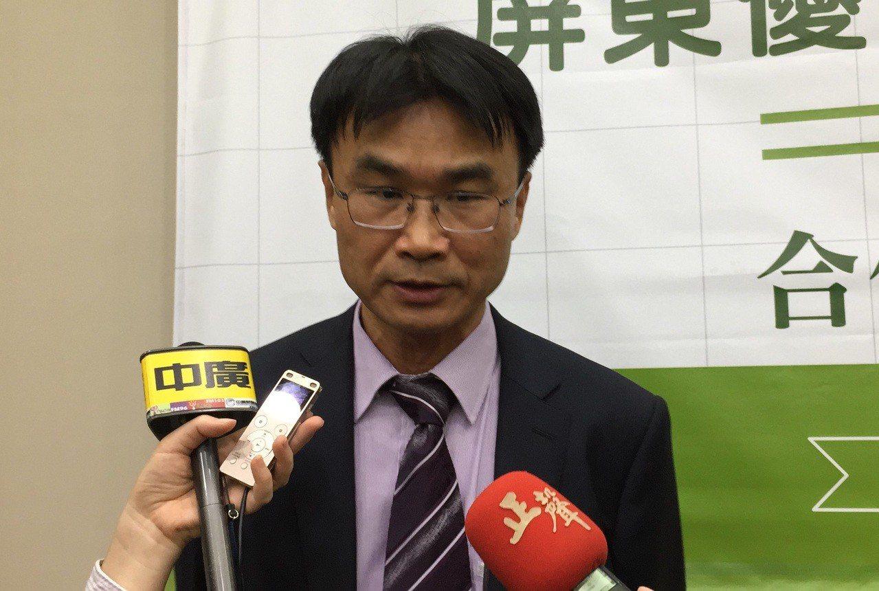 農委會副主委陳吉仲表示,明年起將透過地方農會及農民團體監控紅豆價格。 記者翁禎霞...