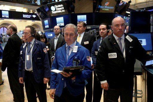 金融專家一致警告,全球金融市場正進入動盪的新時代,投資人可能應該「見漲就賣」。 ...