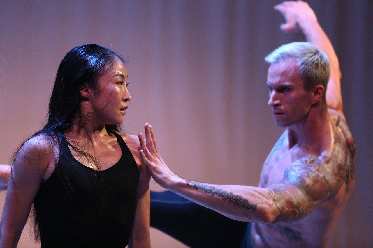 瑪莎葛蘭姆舞團邀台灣舞者簡珮如擔任首席,圖為壓軸舞碼《春之祭》彩排畫面。 圖╱聯...