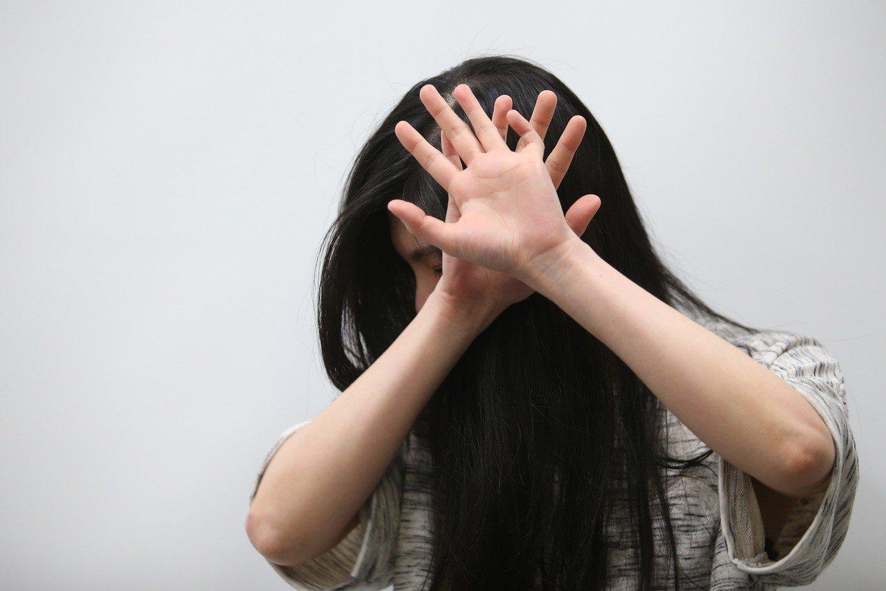 家暴情境照。聯合報系資料照/記者王騰毅攝影