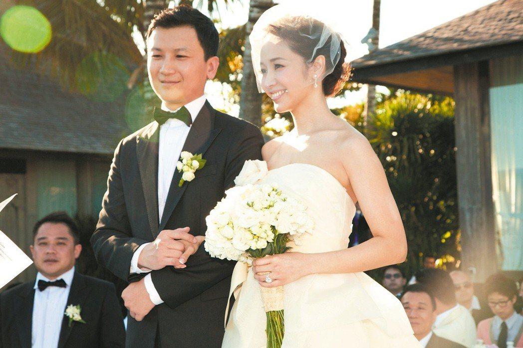 侯佩岑當年與老公黃柏俊在峇里島舉行婚禮。 圖/侯佩岑提供