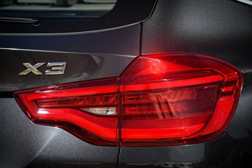 採用3D雕塑設計的全新X3尾燈。 摘自BMW
