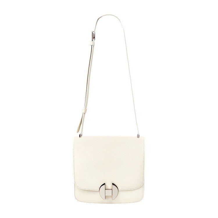 Hermès 2002系列亮漆釦環Evercolor小牛皮包,30萬1,900元...