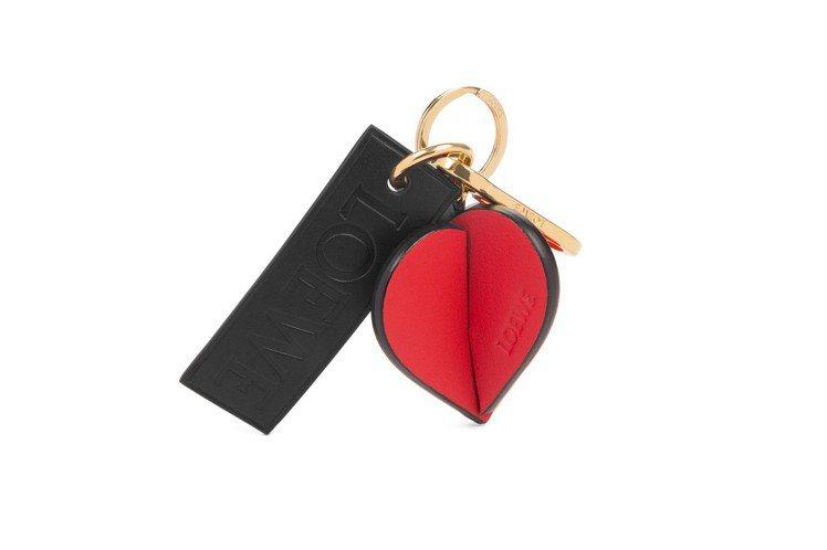 Hearts 鑰匙圈,售價13,000元。圖/LOEWE提供
