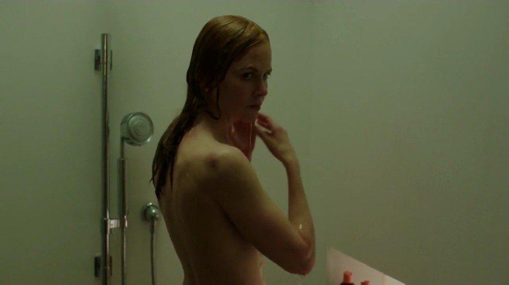 妮可基嫚因「美麗心計」獲獎不斷,被指不願紅花地位遭其他人搶走。圖/摘自imdb