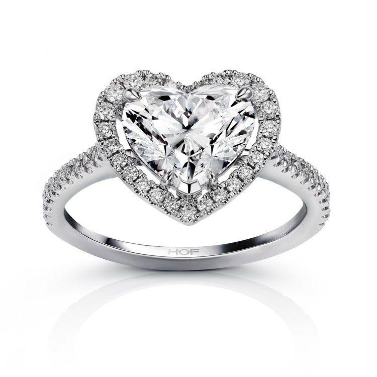 HEARTS ON FIRE推出經典心型鑽戒,鑽石總重2.01-2.04克拉,價...