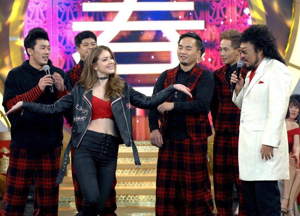 安妮練舞雪恥。圖/華視提供